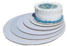 White cake circles