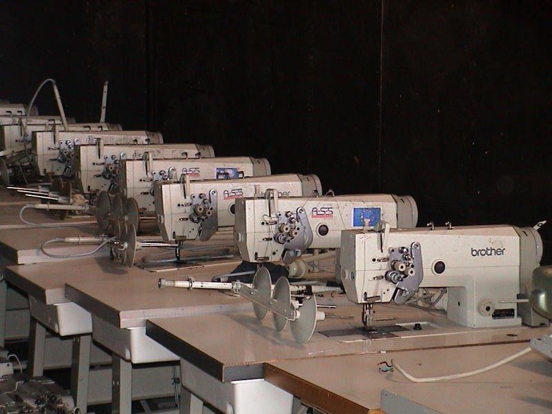utiliza máquinas de coser industriales