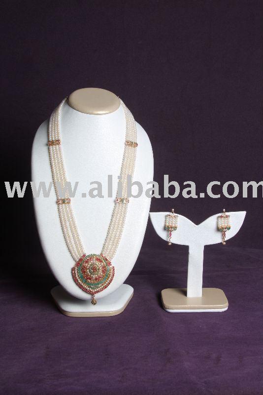 Rani Haar jewelry set