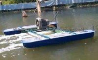 Pond aeration hose integrated floating surface aerator