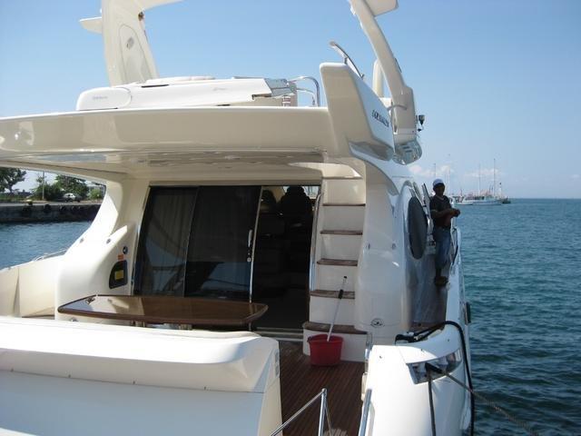Azimut II 68 Fly Evolution Motor Yacht 2xMAN V12 Diesel