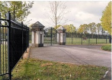 Fences, Gates, Horse Boxes, Dog & Cat Kennels