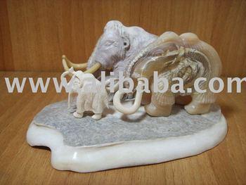 Figura de colmillo de mamut