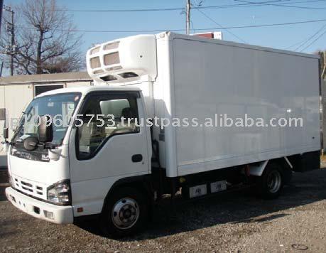 Japanese used refrigerator truck Isuzu ELF 2004