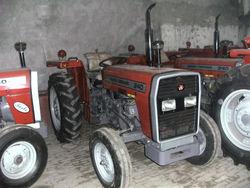 MF 240 TRACTOR