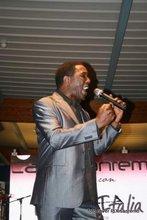 LARRY RAY singer composer musicer SOUL GOSPEL BLUES R&B JAZZ FUNKY HOUSE music