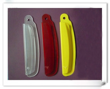 The plastic clip / clip mould