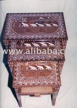 De madeira embutidos ninho - conjunto mesa dobrável