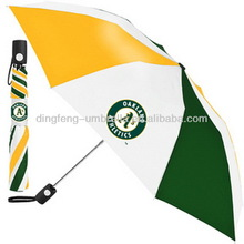 Hot sale fashion promotion green umbrella wooden shaft