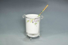 1-pc ceramic cup with a pen