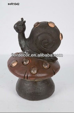Resin made artwork emulational mushroom with snail 2 garden decorative solar resin light(SO1042)