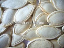 diversi tipi di semi di zucca e semi