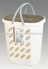 Plastic laundry basket 45L w/handle and lid