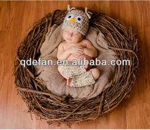 Newborn Baby Boy or Girl Wide Eyed Owl Hat and Leg Warmers Photo Prop Set - Beige Fleck
