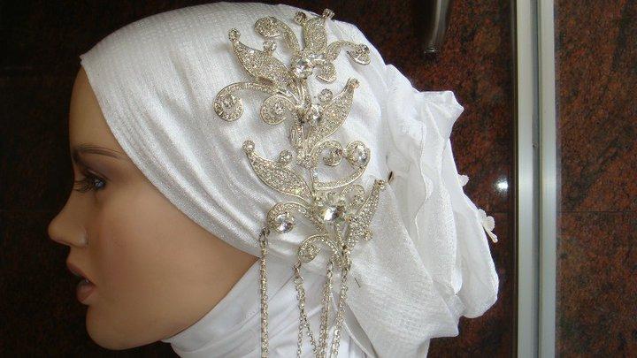 http://i01.i.aliimg.com/photo/v0/114674161/Bridal_Hijab.jpg