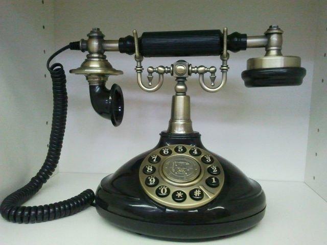 Stari telefoni - Page 2 1920_Vintage_Retro_Telephone