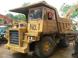 Komatsu Hd205-3 Dump Truck