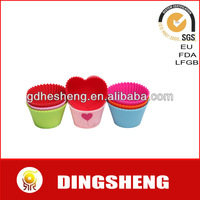 mini heart-shapes silicone baking cups silicone cake mold