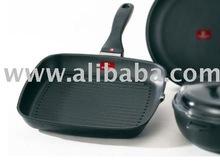 Aluminium die casting Titanium nano (30~40) coating frying pan