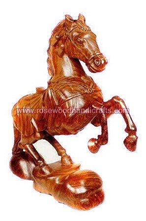 Animaux en bois, Cheval de bois, En bois sculpté animaux