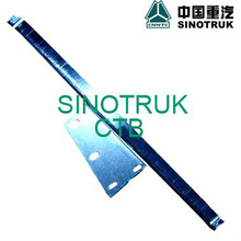 SINOTRUK HOWO TRUCK SPARE PARTS WG1642330010 glass guide right