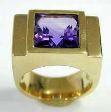Beautiful 14k Yellow Gold Amethyst ring