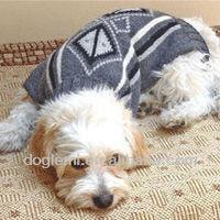 2015 Dog Sweater Dog Diamond Pattern Clothes Stylish Pet Dogs Sweater