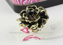 Fashion exaggerated big black flower ring design tide female ring