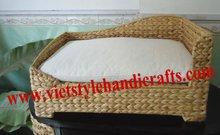 Water hyacinth pet bed