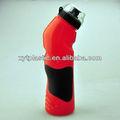 deportes botella de plástico con paja de enfriamiento del tubo y la tapa