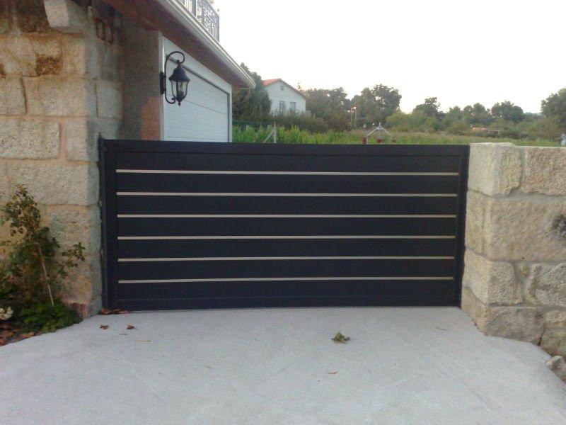 Casa moderna roma italy cancello alluminio for Portail jardin pas cher