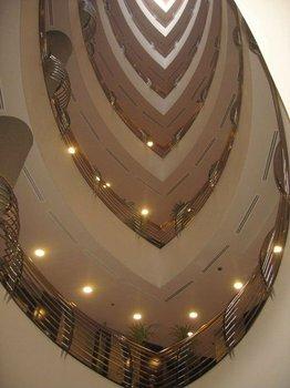 DUBAI****RUNNING HOTEL APARTMENT+SPA FOR SALE IN MARINA DUBAI B+G+7+(4VILLAS) AT PRIME LOCATION *******