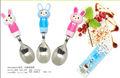 Los niños de plástico y acero inoxidable rabit animales de dibujos animados para niños vajilla, cuchara cubiertos