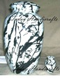schwarz und weiß urne messing kunst