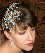 Crystal and pearl hair-vine