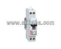 Circuit breakers/ disjoncteurs