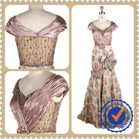 Luxurious Handmade Ruffle Flower Pattern Lace Design Evening Gown Celebrity Dress