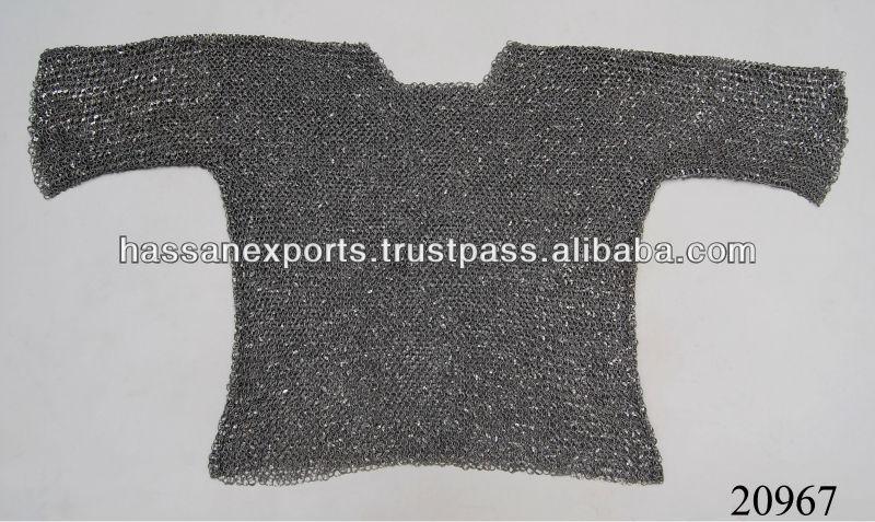 Medieval de cota de malla de camisa, Replica armadura