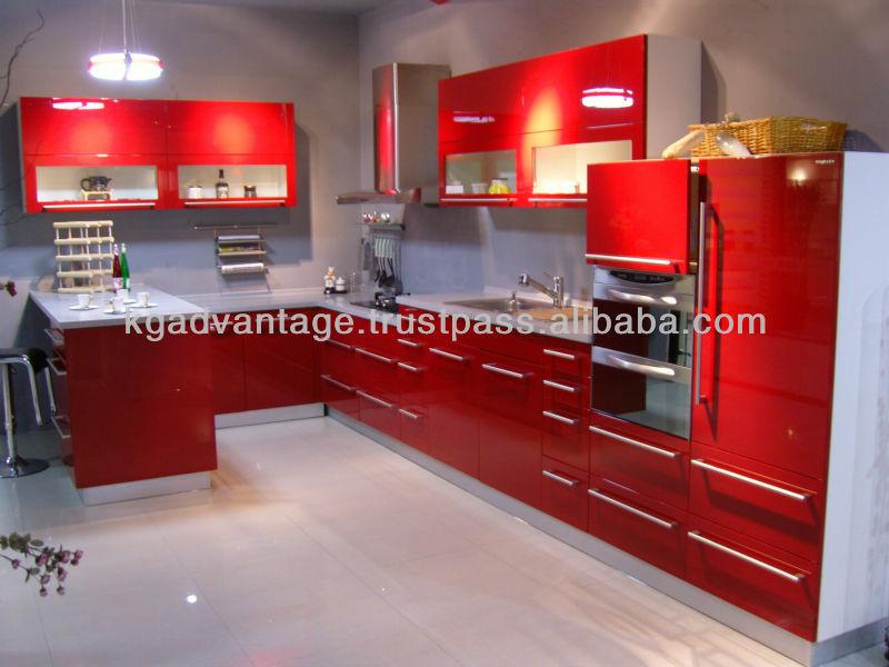 de alto brillo de color rojo laca gabinete de cocina