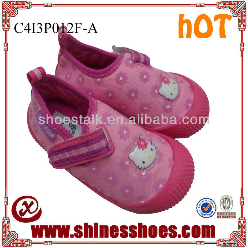 2014 Popular cheap pink kitty water shoes for girls