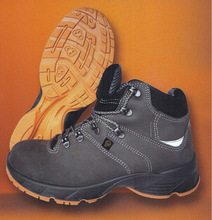 High ankle safety shoes model 111