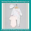 Bon marché de gros de marque pour bébés vêtements de sortie/vêtements pour bébés design blanc et rose uni vêtements vierges