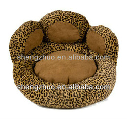 comfortable leopard pattern dog room
