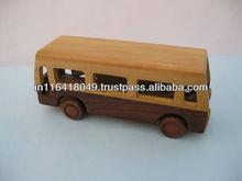 Hechos a mano autobús de juguete de madera
