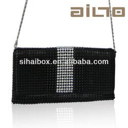 2015hot sale sheetmetal Cool beads Diamond Black Bag fashion sexy lady handbag