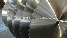 Metal cores mainly for use in throw-away-type cold saws used for high-speed cutting plastic product