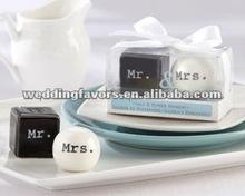 2012 new design Mr & Mrs salt and pepper shaker