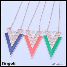 Jinhua Yiwu Christmas elegant girl's letter V enamel pendant necklace