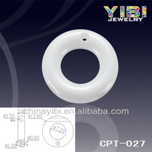 White Ceramic Chain Accessory, a hole with the ring for diamond inlay