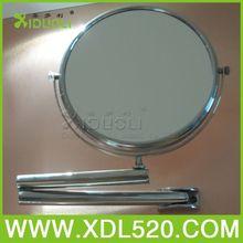 Attaccatura di parete a specchio, specchio per il trucco a forma di conchiglia, di metallo a specchio